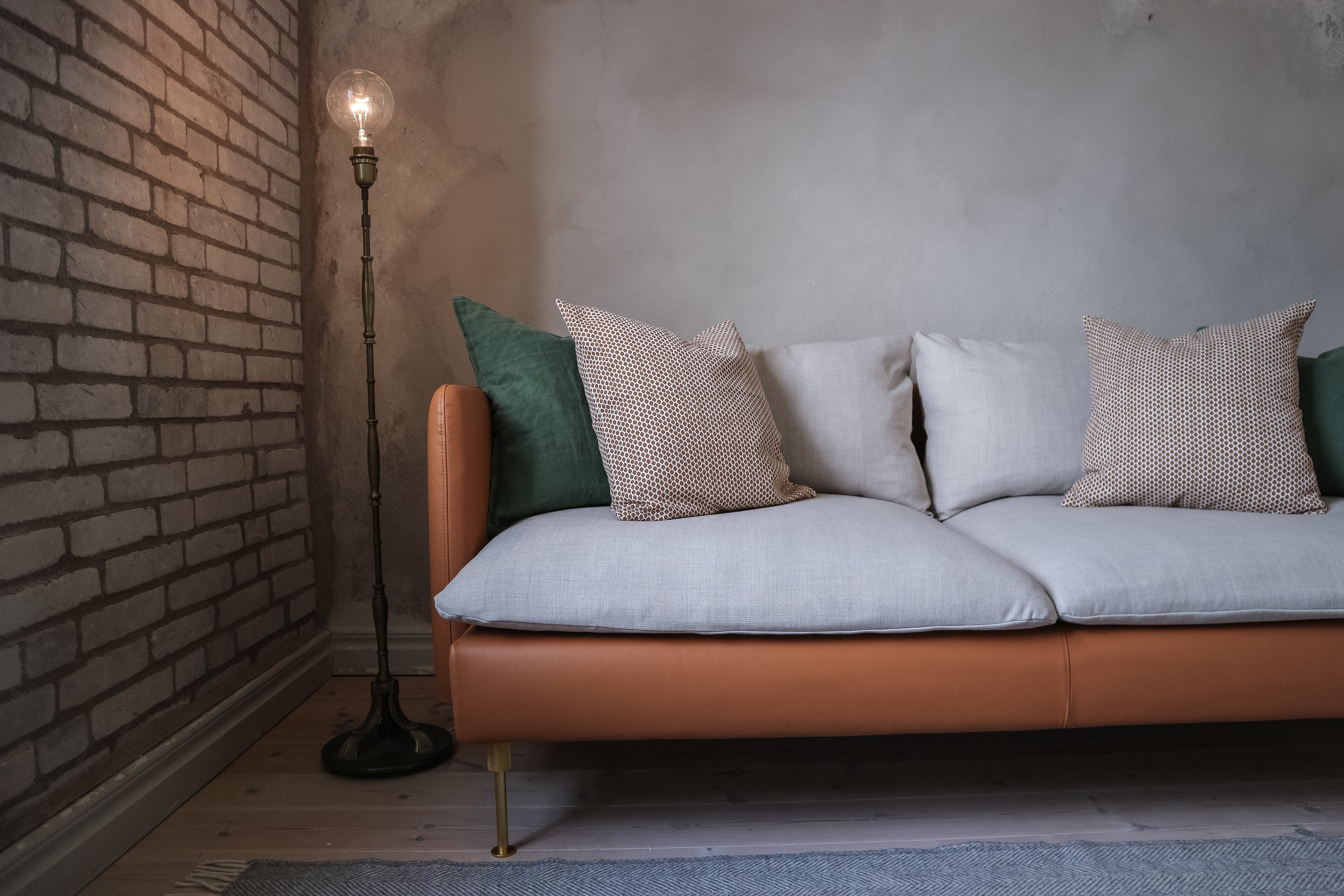 Are You Looking For A Unique Sofa Without Wanting To Brand New One And Spend Fortune Find Of The Many Sofas On Your Local Second Hand