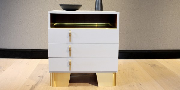 Chest of drawers with a twist
